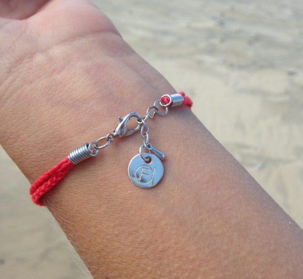 Collection Baltik- Le bracelet- Bracelet Baltik corail porté - fermoir